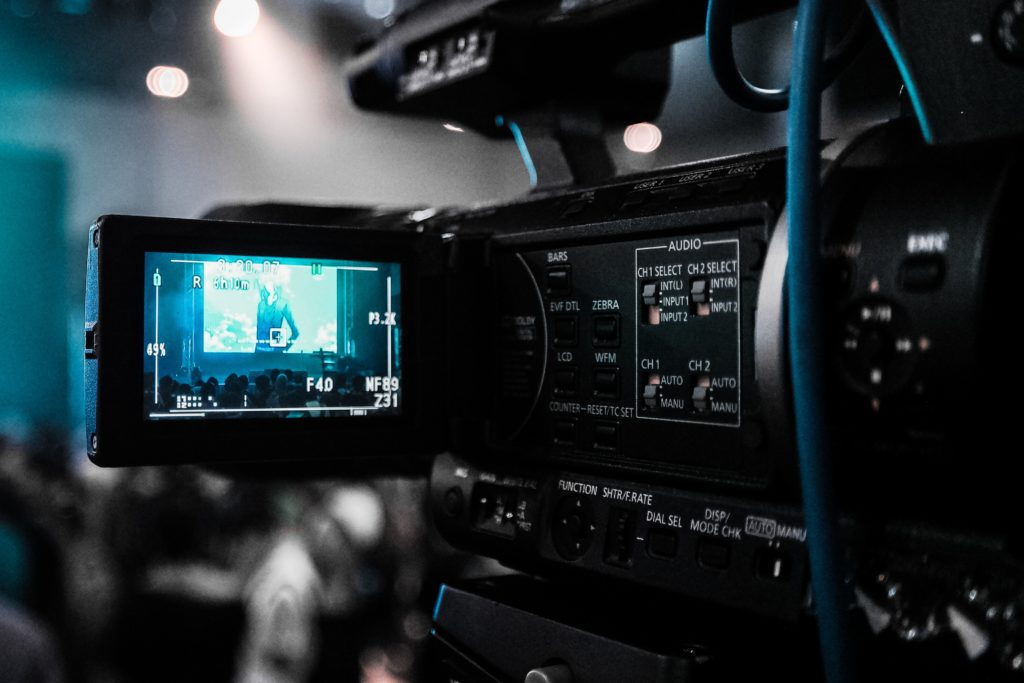 Réalisateur audiovisuel Caméraman Cadreur Montage vidéo Freelance Lyon